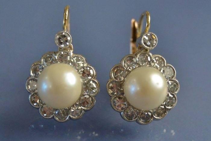 Boucles d'oreilles anciennes perles de culture et diamants