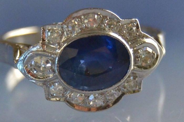Bague années 30 saphir et diamants