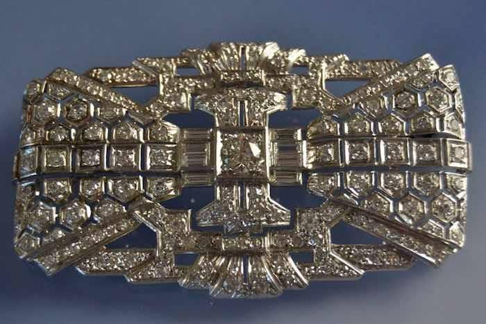 Broche Art déco platine sertie de diamants