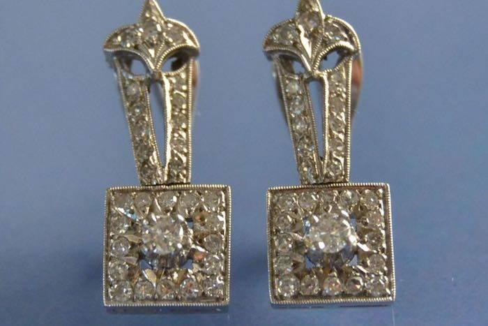 Boucles d'oreilles diamants sur or blanc 18K