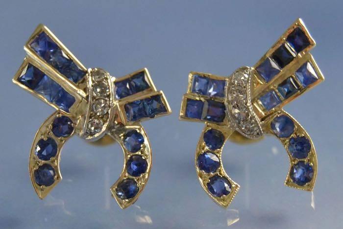 Boucles d'oreilles noeud saphirs et diamants