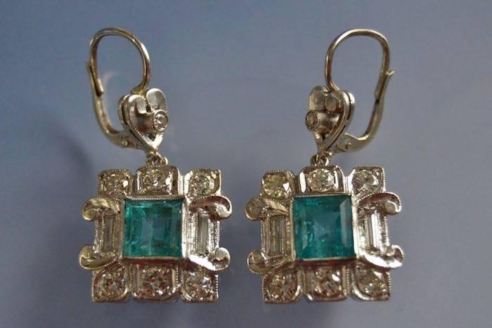 Boucles d'oreilles art déco émeraudes de Colombie et diamants
