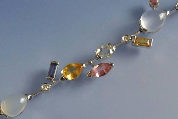 Bracelet pierres fines en or