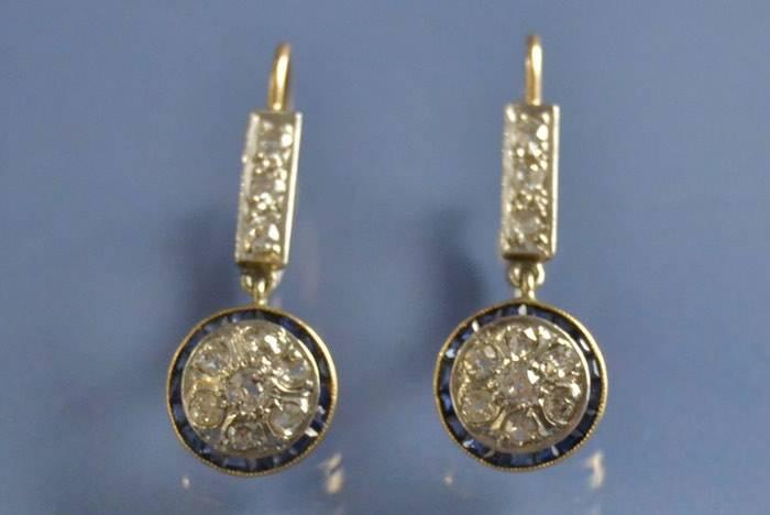 Boucles d'oreilles art déco saphirs et diamants sur or