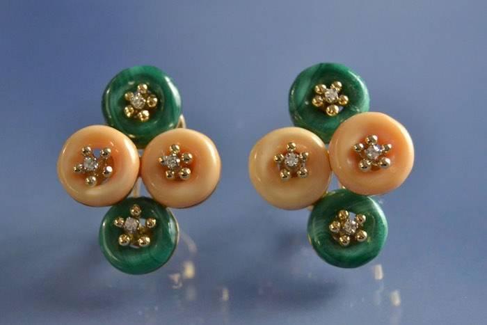 boucles d'oreilles malachite, corail et diamants