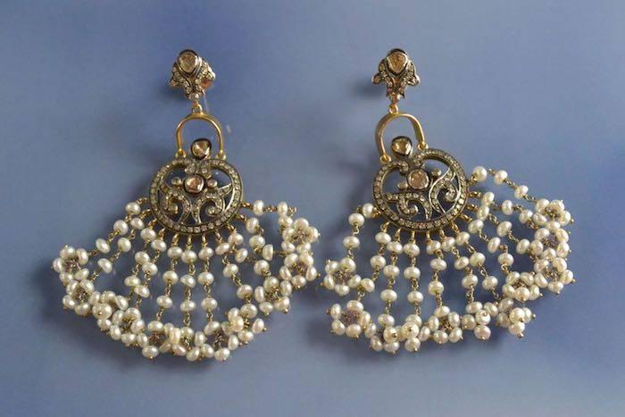 Boucles d'oreilles perles fines et diamants
