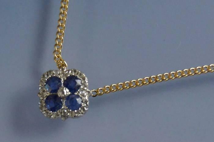 Collier Art deco saphirs et diamants