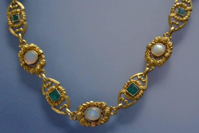 Collier Napoléon III opales et émeraudes