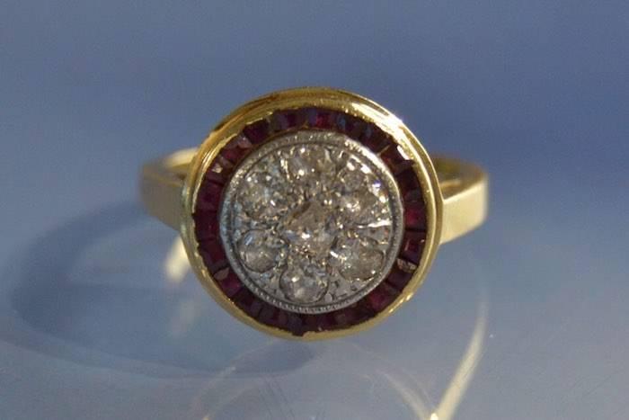 Bague ancienne diamants et rubis calibrés