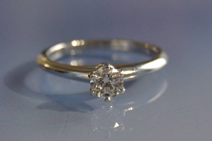 Solitaire diamant signé Tiffany