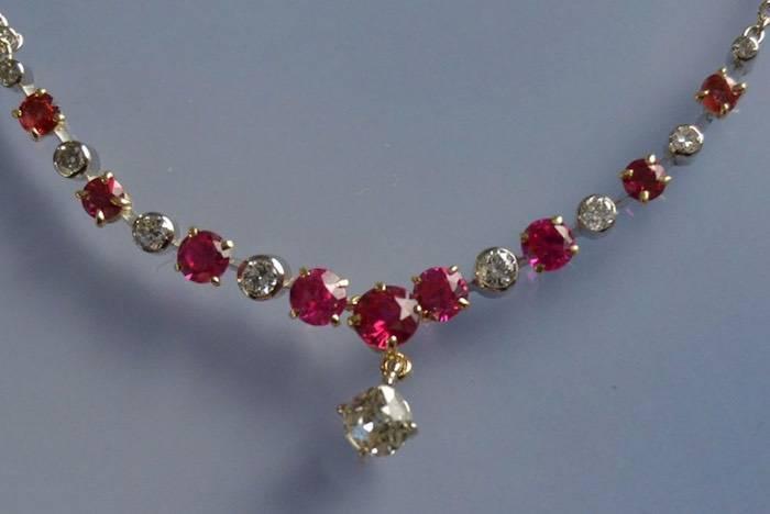 Collier rubis synthétiques et diamants