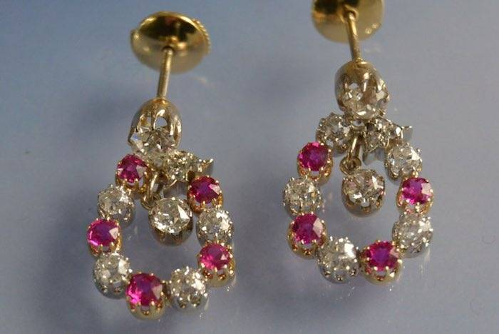 Boucles d'oreilles 1900 rubis et diamants