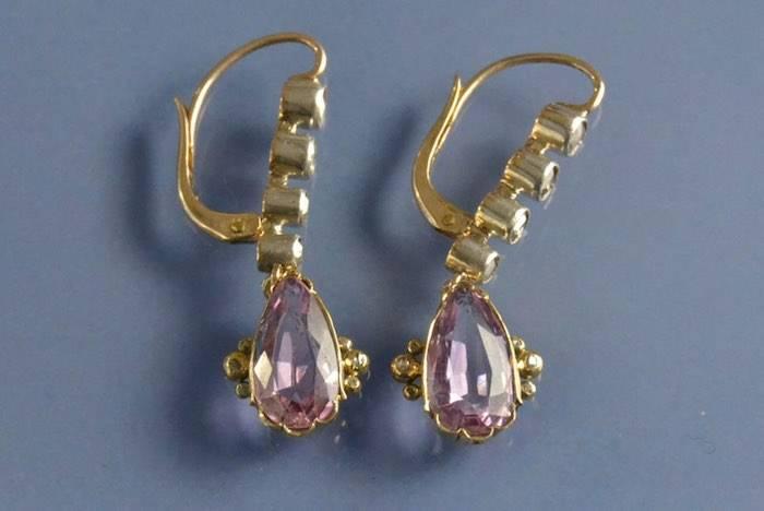 Boucles d'oreilles topazes roses et diamants