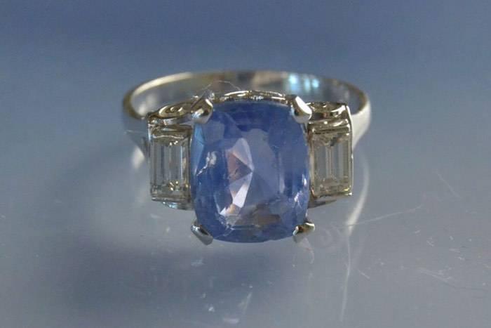 Bague Années 20 saphir et diamants