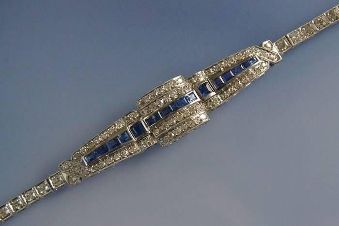 Bracelet Art Déco saphirs et diamants en or 18k