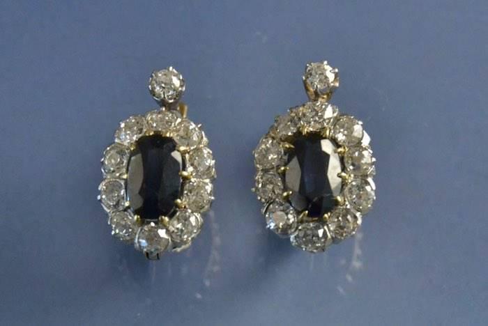boucles d'oreilles 1900 saphirs et diamants