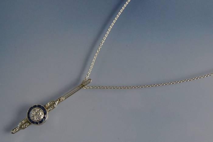 Collier Art Déco saphirs et diamants