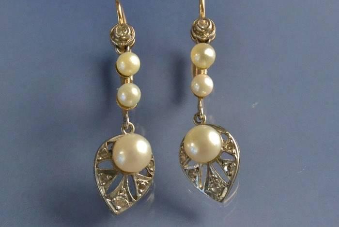 Boucles d'oreilles art déco feuilles perles et diamants