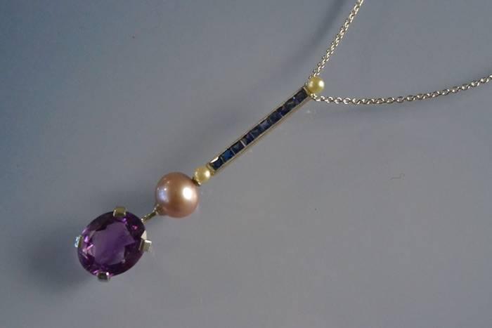 Collier améthyste, saphirs et perles