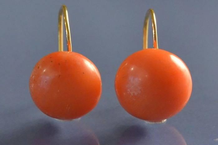 Boucles d'oreilles cabochons de corail orange