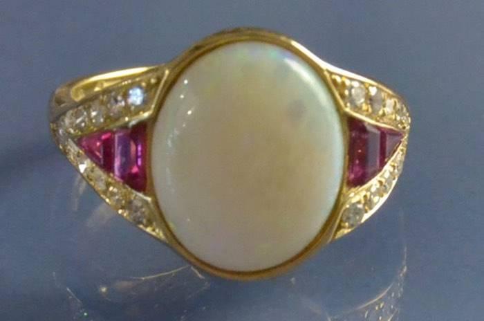 Bague opale rubis et diamants