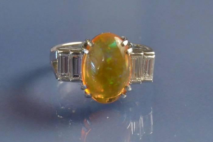 Bague opale de feu et diamants