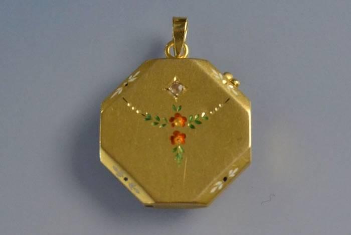 Médaille Art nouveau or et diamant