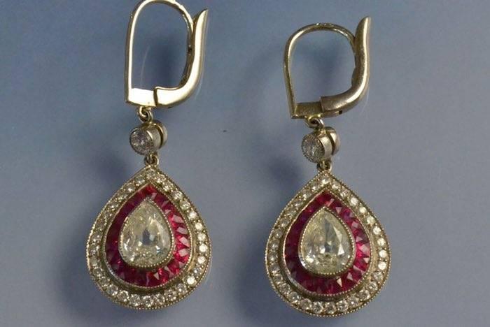 Boucles d'oreilles anciennes diamants et rubis