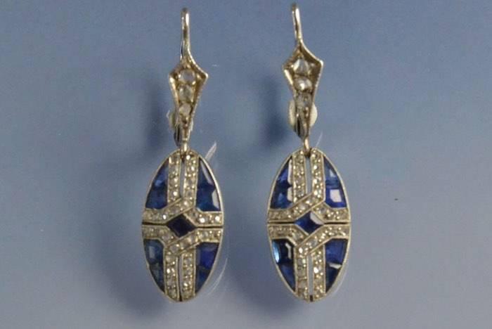 Boucles d'oreilles Art déco saphirs et diamants