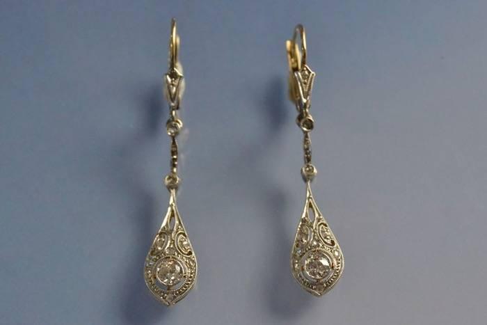 Boucles d'oreilles anciennes or et diamants