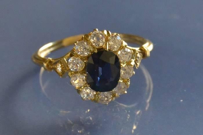 Bague 1920 saphir et diamants