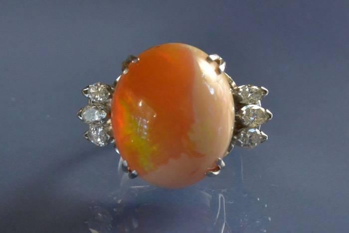Bague ancienne opale et diamants navettes