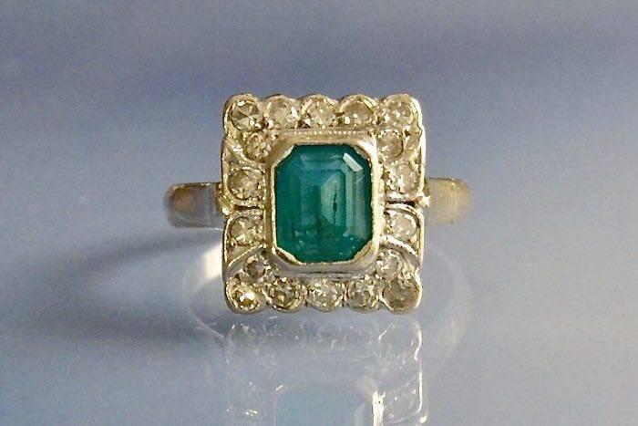 Bagues anciennes émeraude et diamants