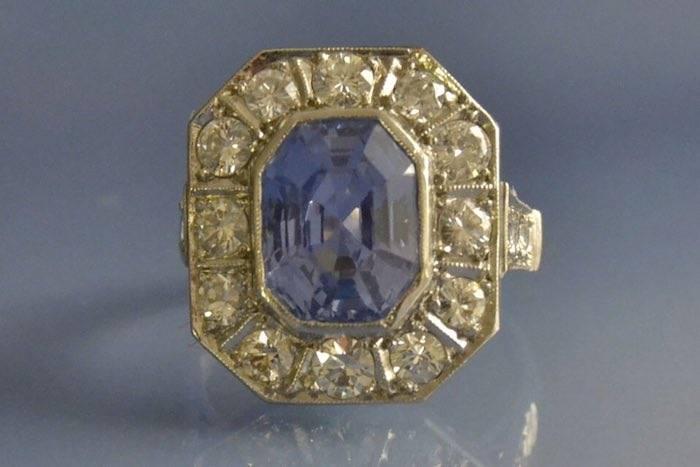 Bague ancienne saphir de ceylan et diamants