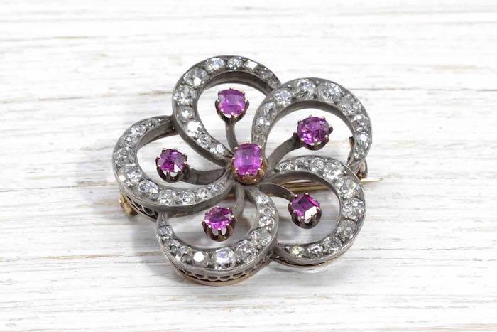 Broche ancienne rubis et diamants