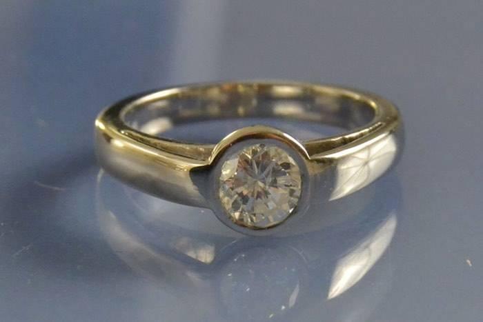 Solitaire platine et diamant