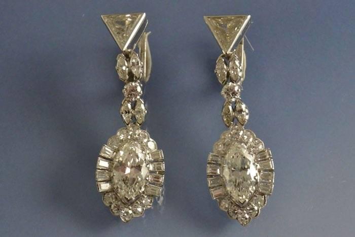 Boucles d'oreilles années 50 diamants