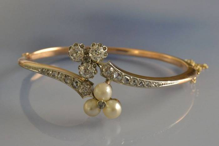 Bracelet 1900 perles et diamants