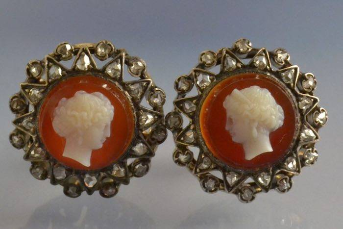 Boucles d'oreilles ancienne camée agate et diamants