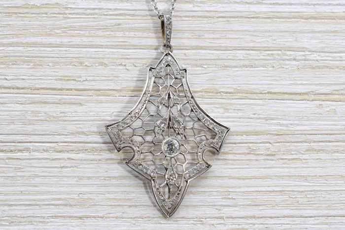 Pendentif Art nouveau diamants