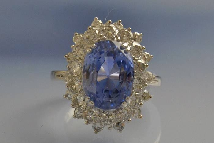 Bague années 60 saphir et diamants