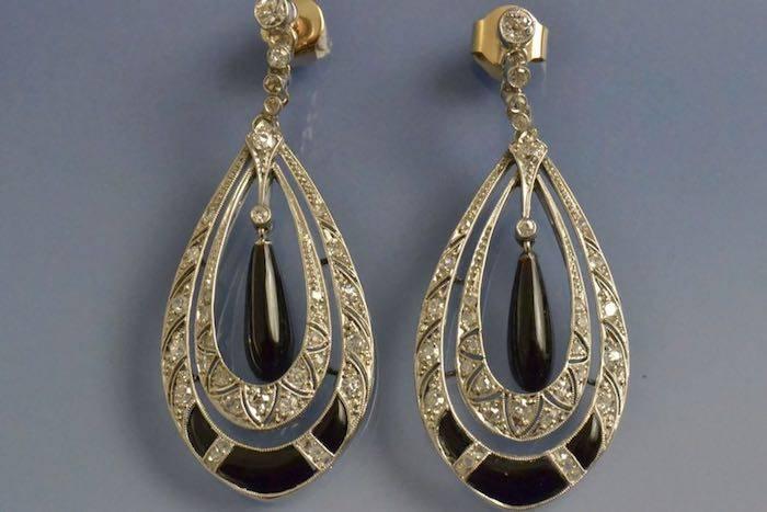 Boucles d'oreilles anciennes onyx et diamants
