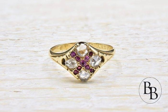 Bague ancienne rubis et roses de diamants