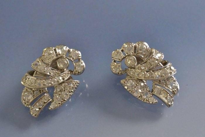 Boucles d'oreilles clips anciennes diamants