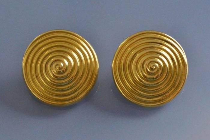 Boucles d'oreilles or signées Lalaounis