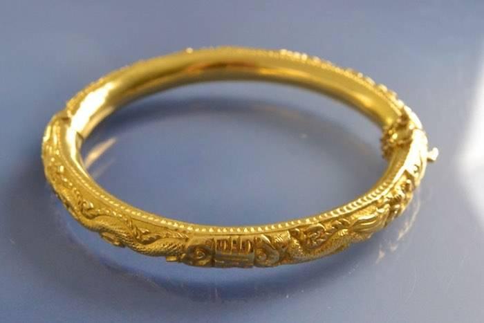 Bracelet ancien or jaune motif dragons