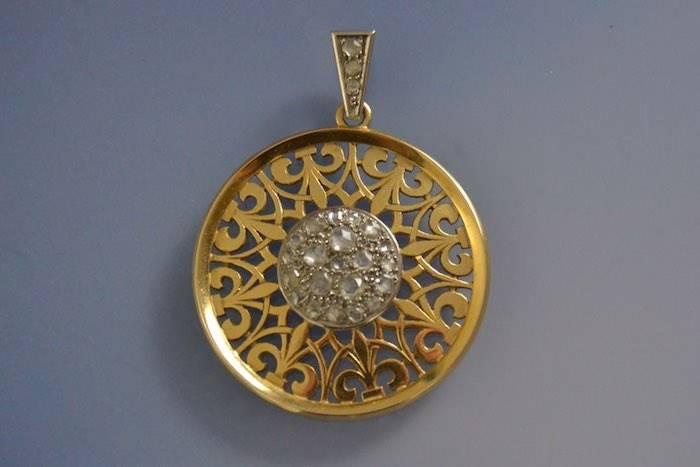 Pendentif ancien roses de diamants