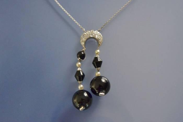 Négligé ancien jais, perle et diamants