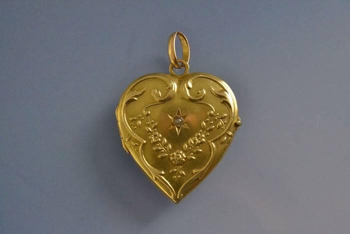 Pendentif porte photo coeur or et perle fine