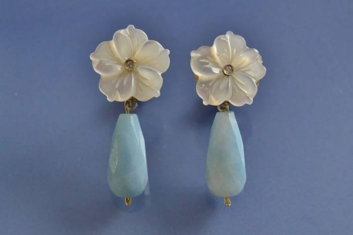 Boucles d'oreilles nacre diamants et quartz